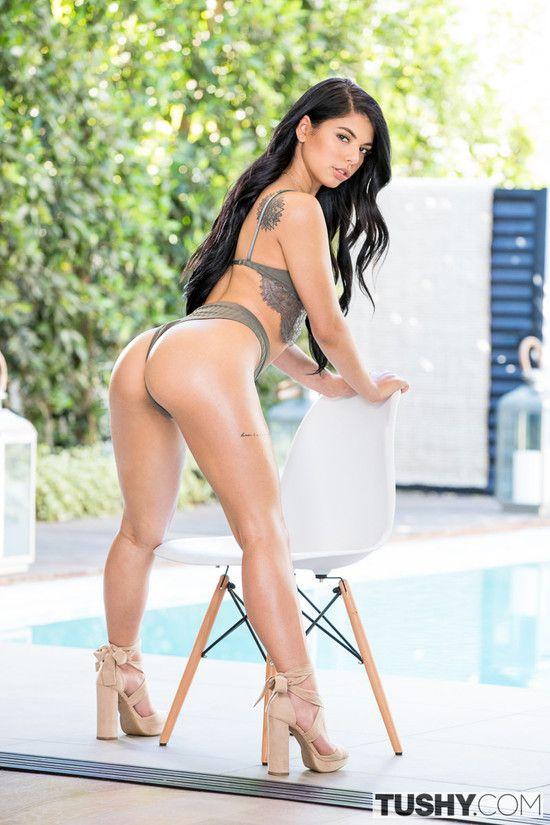 Tushy – Gina Valentina