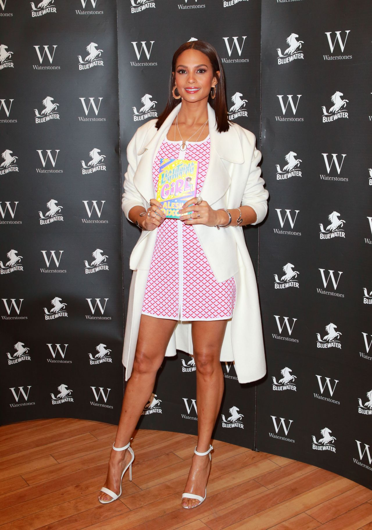 68428851_alesha-dixon-lightning-girl-book-signing-in-dartford-06-04-2018-7x_05.jpg