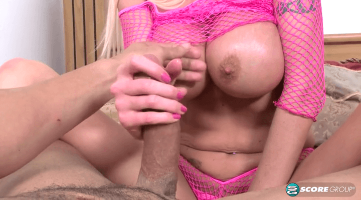 PornMegaLoad –  Kasey Grant – Hand Party