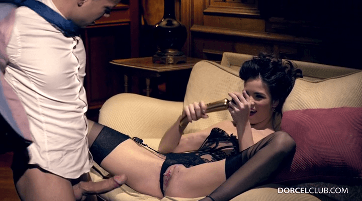 DorcelClub – Lovenia Lux – Wanded Her Lover
