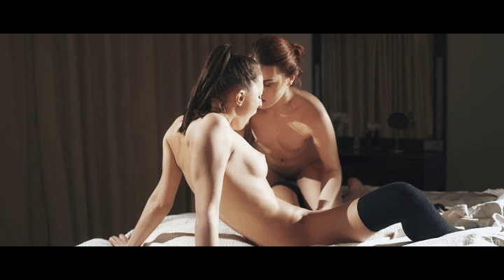 SexArt – Charli Red , Katy Rose – Show Yourself