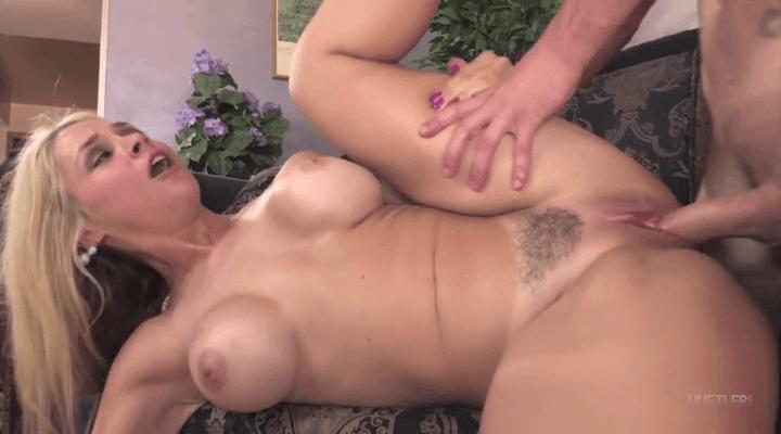 Hustler  – Sara Vandella