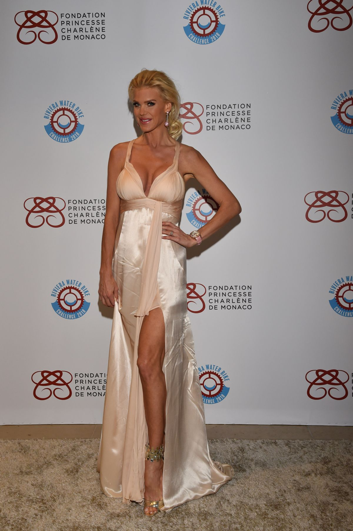 68895542_victoria-silvstedt-2nd-gala-of-riviera-water-bike-challenge-at-yacht-club-in.jpg